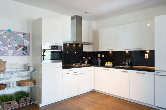 Villapparte-Belvilla-Appartement Scheveningen 22c-Luxe appartement voor 4 personen-Scheveningen-luxe keuken