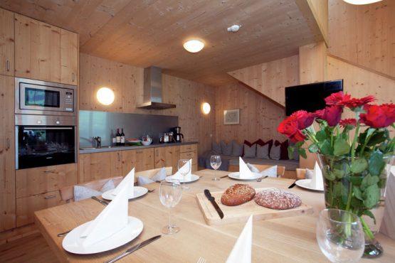 Villapparte-Belvilla-Appartement Waidachhaus-luxe appartement voor 10 personen in Ramsau im Zillertal-Oostenrijk-luxe keuken