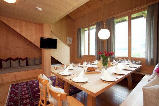 Villapparte-Belvilla-Appartement Waidachhaus-luxe appartement voor 10 personen in Ramsau im Zillertal-Oostenrijk-zit en eethoek