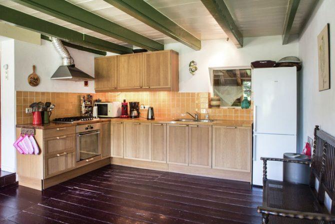 Villapparte-Belvilla-Boerderij Korskes Hoef in Drimmelen-nostalgisch vakantiehuis voor 8 personen-complete keuken