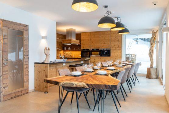 Villapparte-Belvilla-Chalet Hammerweg-Luxe chalet voor 10 personen in Mauterndorf-Oostenrijk-gezellige eethoek