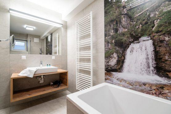Villapparte-Belvilla-Chalet Hammerweg-Luxe chalet voor 10 personen in Mauterndorf-Oostenrijk-luxe badkamer