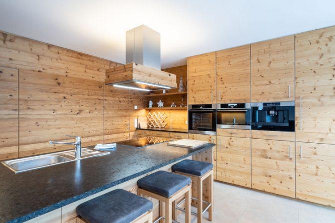Villapparte-Belvilla-Chalet Hammerweg-Luxe chalet voor 10 personen in Mauterndorf-Oostenrijk-luxe keuken