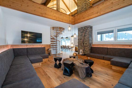 Villapparte-Belvilla-Chalet Hammerweg-Luxe chalet voor 10 personen in Mauterndorf-Oostenrijk-ruime zithoek