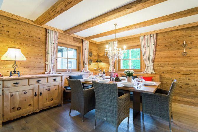 Villapparte-Belvilla- Chalet Kaiserliebe-luxe chalet voor 10 personen in Ellmau-Oostenrijk-romantische eethoek