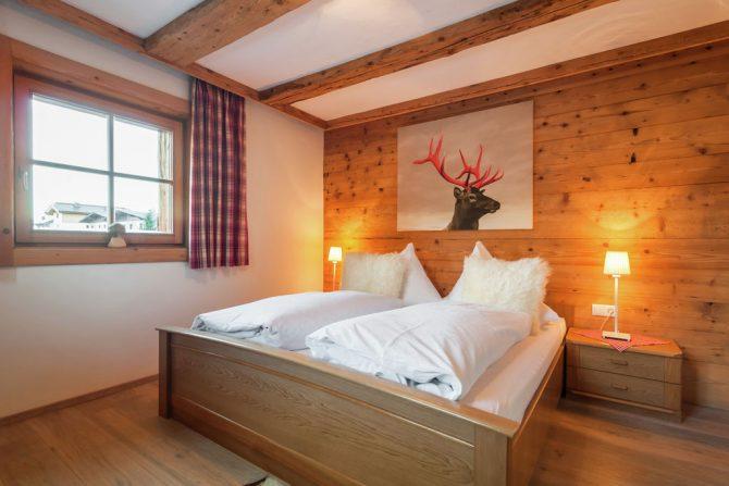 Villapparte-Belvilla- Chalet Kaiserliebe-luxe chalet voor 10 personen in Ellmau-Oostenrijk-romantische slaapkamer