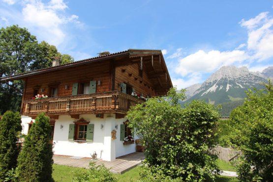 Villapparte-Belvilla- Chalet Kaiserliebe-luxe chalet voor 10 personen in Ellmau-Oostenrijk-zomer met uitzicht