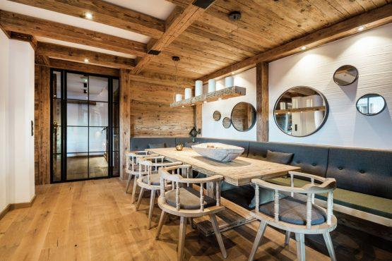 Villapparte-Belvilla-Chalet Lodge of Joy-luxe appartement voor 14 personen in Wagrain-Oostenrijk-eethoek