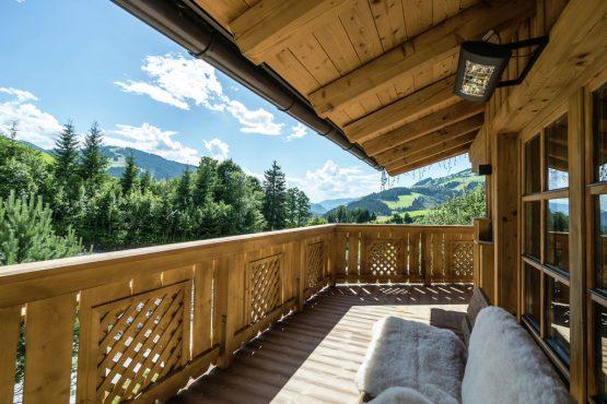 Villapparte-Belvilla-Chalet Lodge of Joy-luxe appartement voor 14 personen in Wagrain-Oostenrijk-overdekt terras