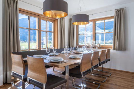 Villapparte-Belvilla-Chalet Mariland-luxe vakantiechalet voor 10 personen-Bad Hofgastein-Oostenrijk-gezellige eethoek