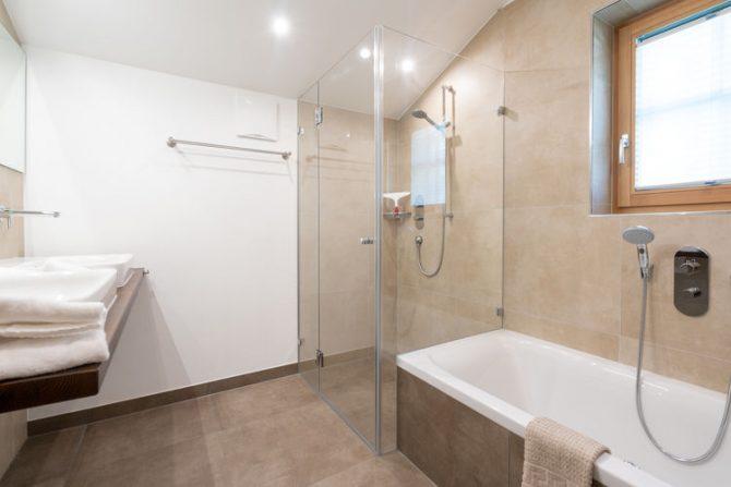 Villapparte-Belvilla-Chalet Mariland-luxe vakantiechalet voor 10 personen-Bad Hofgastein-Oostenrijk-luxe badkamer