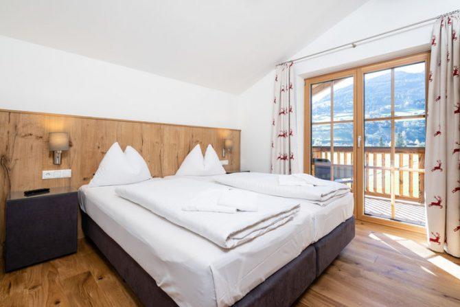 Villapparte-Belvilla-Chalet Mariland-luxe vakantiechalet voor 10 personen-Bad Hofgastein-Oostenrijk-romantische slaapkamer