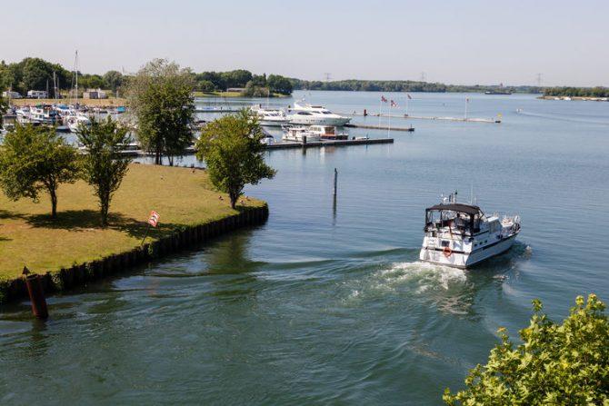 Villapparte-Belvilla-Chalet Recreatiepark 't Loo-vakantiechalet op parkje voor 5 personen-Linden-Noord Brabant-Kraaijenbergse plassen