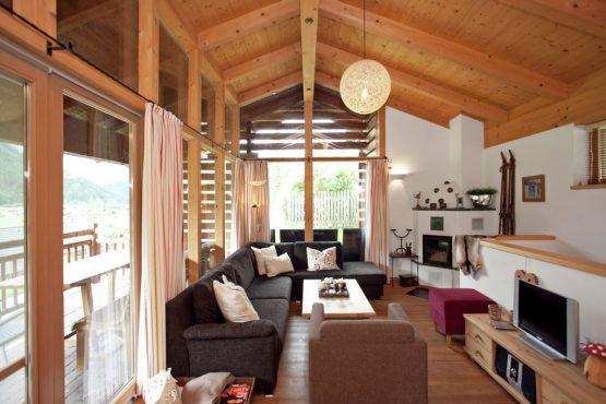 Villapparte-Belvilla-Chalet im Wald-Luxe chalet voor 10 personen in Konigsleiten-Oostenrijk-gezellige woonkamer