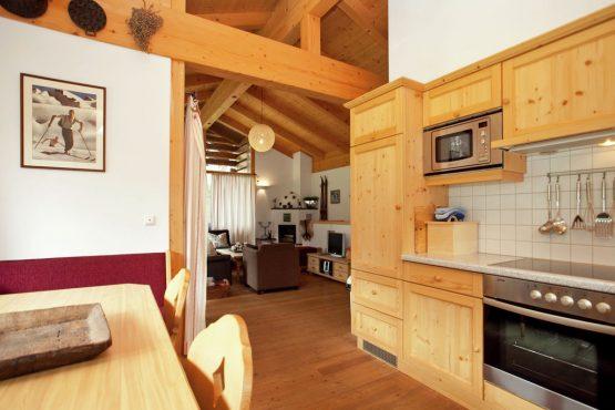 Villapparte-Belvilla-Chalet im Wald-Luxe chalet voor 10 personen in Konigsleiten-Oostenrijk-luxe keuken