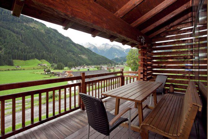 Villapparte-Belvilla-Chalet im Wald-Luxe chalet voor 10 personen in Konigsleiten-Oostenrijk-overdekt terras