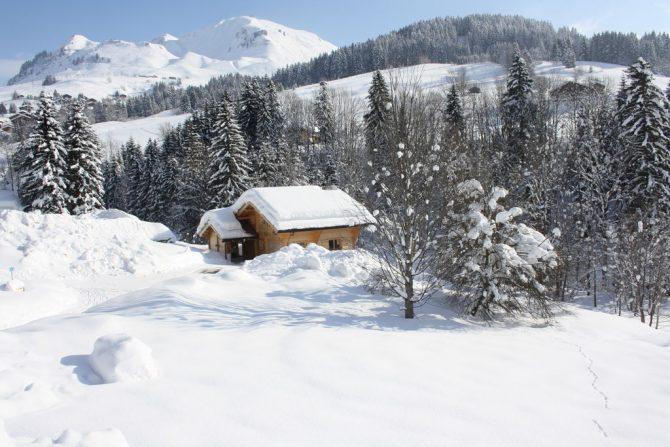 Villapparte-Belvilla-Chalet le Chevreuil Franse alpen-luxe chalet voor 12 personen-winter sfeer
