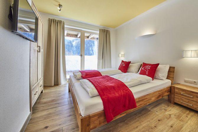 Villapparte-Belvilla-Künstler Chalet-luxe chalet voor 10 personen in Saalbach Hinterglemm-Oostenrijk-knusse slaapkamer