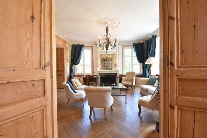 Villapparte-Belvilla- Kasteel Chateau in Asnières - Normandië-vakantiehuis voor 19 personen-authentiek kasteel-klassieke woonkamer