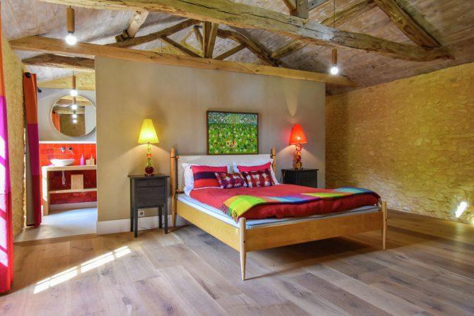 Villapparte-Belvilla-Landhuis La Dépendance-Authentiek vakantiehuis-Dordogne-slaapkamer met badkamer