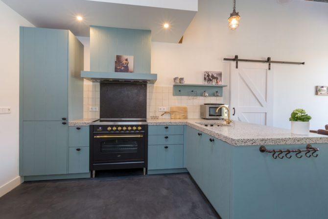 Villapparte-Belvilla-Landhuis 't Blauwtje-vakantiehuis in Zeeland voor 5 personen-luxe landelijke keuken