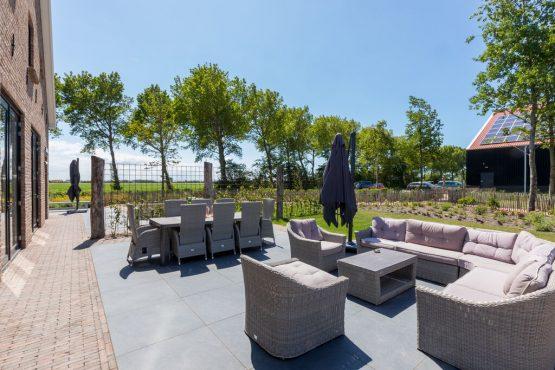 Villapparte-Belvilla-Landhuis 't Blauwtje-vakantiehuis in Zeeland voor 7 personen-ruim terras