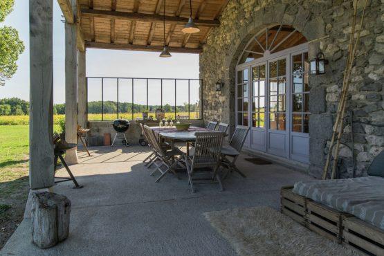Villapparte-Belvilla-Mas d'Ourbise Penan-luxe vakantievilla-overdekt terras met uitzicht
