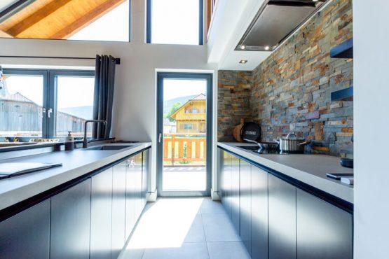 Villapparte-Belvilla-Vakantiehuis Alpinn Wellnesschalet II-Luxe vakantiehuis voor 12 personen in Sankt Margarethen-Oostenrijk-luxe keuken