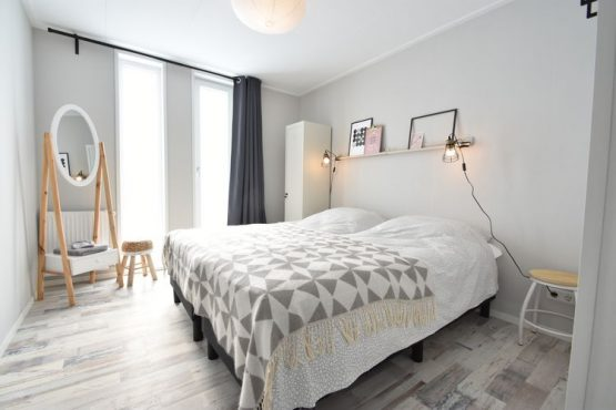 Villapparte-Belvilla-Vakantiehuis Casa Familia-luxe vakantiehuis voor 14 personen in Sint-Annaland-op vakantiepark-Zeeland-romantische slaapkamer