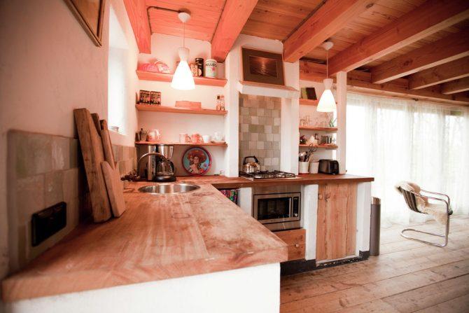 Villapparte-Belvilla-Vakantiehuis De Schone Leij-Romantisch vakantiehuisje voor 2 personen-Bergen-Noord-Holland-landelijke keuken