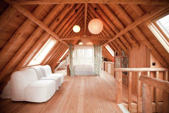 Villapparte-Belvilla-Vakantiehuis De Schone Leij-Romantisch vakantiehuisje voor 2 personen-Bergen-Noord-Holland-ruime slaapkamer