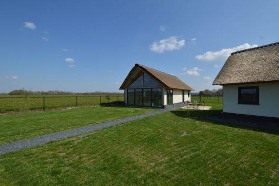 Villapparte-Belvilla-Vakantiehuis Droomeind Villa Amore-romantisch vakantiehuis voor 4 personen op klein parkje-Alphen-Noord Brabant