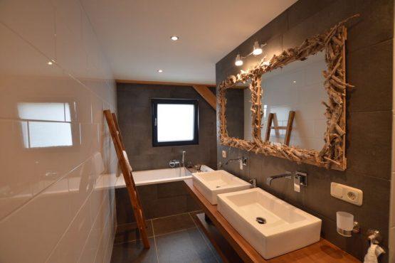 Villapparte-Belvilla-Vakantiehuis Droomeind Villa Bianco-luxe vakantiehuis op parkje voor 4 personen-Alphen-Noord Brabant-luxe badkamer