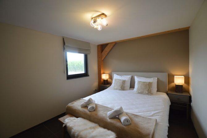 Villapparte-Belvilla-Vakantiehuis Droomeind Villa Bianco-luxe vakantiehuis op parkje voor 4 personen-Alphen-Noord Brabant-luxe slaapkamer