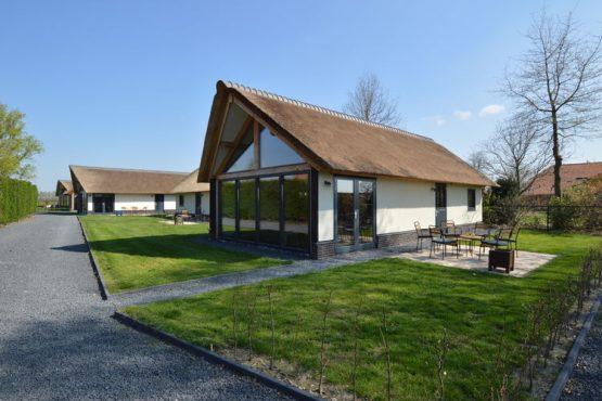 Villapparte-Belvilla-Vakantiehuis Droomeind Villa Brocante-luxe vakantiehuis voor 4 personen op kleinschalig parkje-Alphen-Noord Brabant