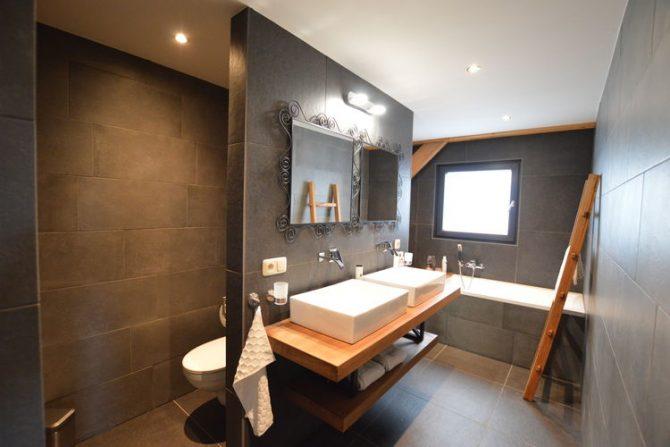 Villapparte-Belvilla-Vakantiehuis Droomeind Villa Brocante-luxe vakantiehuis voor 4 personen op kleinschalig parkje-Alphen-Noord Brabant-luxe badkamer