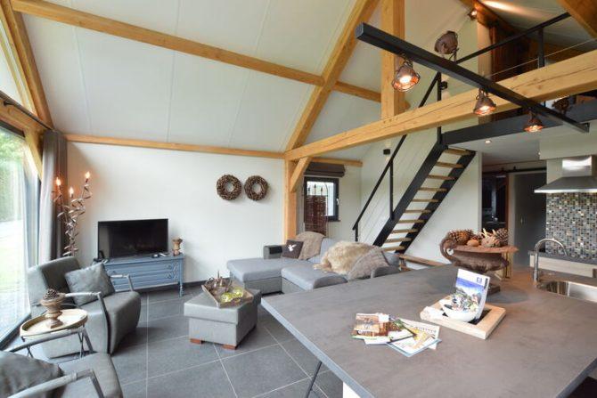 Villapparte-Belvilla-Vakantiehuis Droomeind Villa Brocante-luxe vakantiehuis voor 4 personen op kleinschalig parkje-Alphen-Noord Brabant-woonkamer