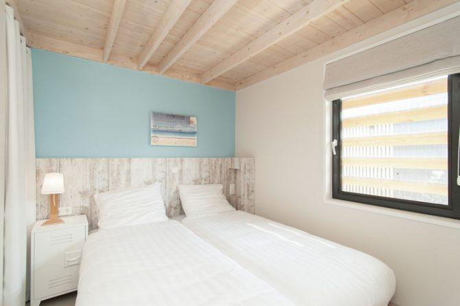 Villapparte-Belvilla-Vakantiehuis Sea Lodge in Bloemendaal-knusse zee lodge voor 4 personen-romantische slaapkamer