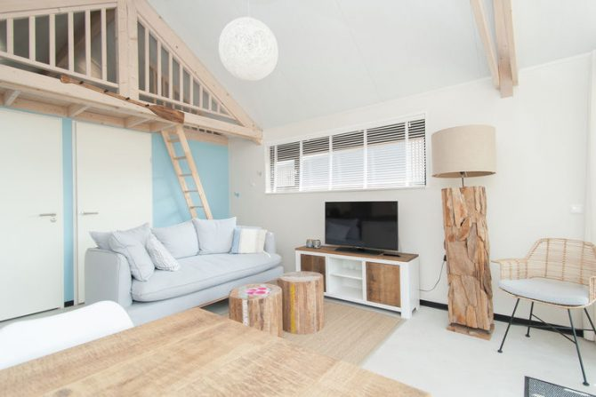 Villapparte-Belvilla-Vakantiehuis Sea Lodge in Bloemendaal-knusse zee lodge voor 4 personen-zithoek