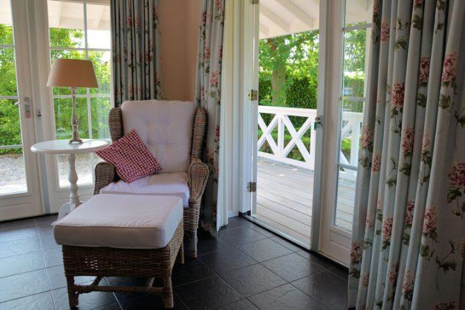 Villapparte-Belvilla-Vakantiehuis Searose in Noordwijk-gezellig vakantiehuis voor 2 personen-romantische woonkamer