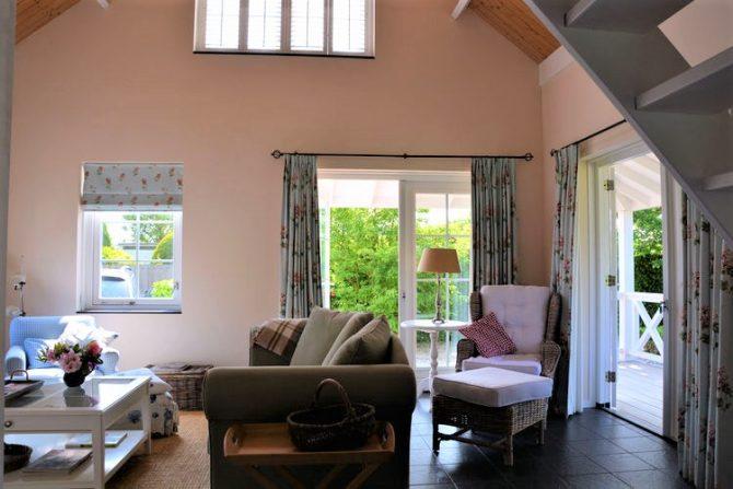 Villapparte-Belvilla-Vakantiehuis Searose in Noordwijk-gezellig vakantiehuis voor 2 personen-zithoek