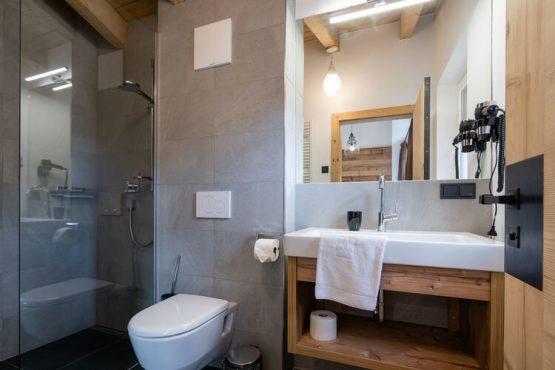 Villapparte-Belvilla-Vakantiehuis Tauernlodge Liz-luxe vakantiehuis voor 12 personen-Muhlbach am Hochkonig-Oostenrijk-luxe badkamer