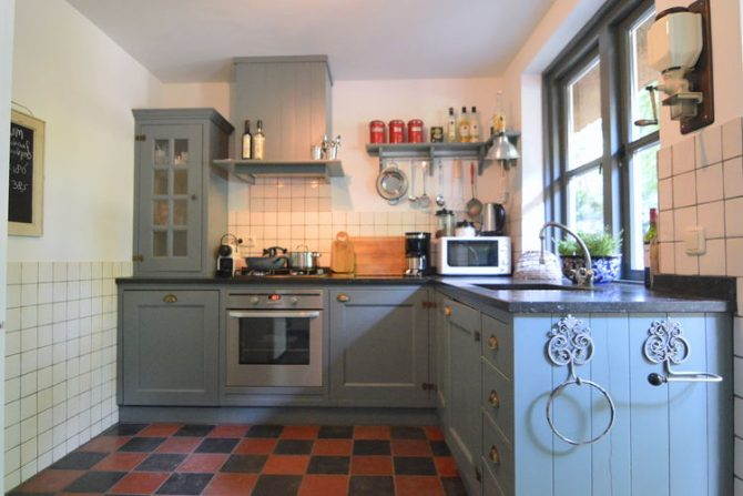 Villapparte-Belvilla-Vakantiehuis Uilennest-luxe kindvriendelijk vakantiehuis voor 7 personen-Haaren-Noord Brabant-landelijke keuken