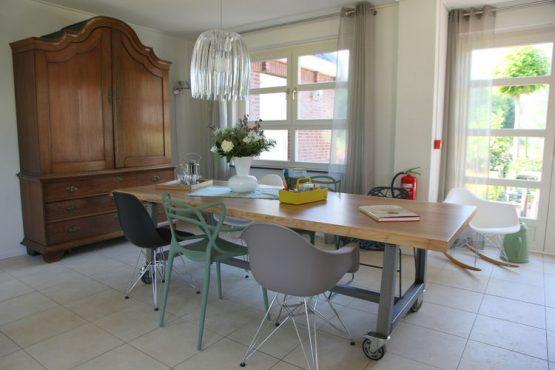 Villapparte-Belvilla-Vakantiehuis de Blauwe Sluis-luxe vakantiehuis voor 8 personen in Steenbergen-Noord Brabant-eethoek