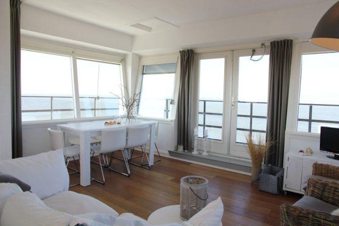 Villapparte-Belvilla-Vakantiehuis de Kustwachttoren in Huisduinen-unieke vakantielocatie voor 2 personen-lichte woonkamer