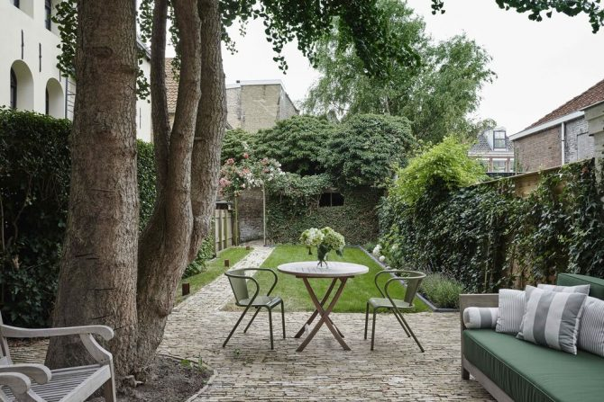 Villapparte-Belvilla-Vakantiehuis de Robijn-luxe vakantiehuis voor 6 personen in Harlingen-Friesland-romantische stadstuin