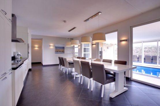 Villapparte-Belvilla-Vakantiehuis luxe Beveland-luxe vakantiehuis voor 12 personen-Colijnsplaat-Zeeland-ruime eethoek