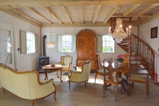 Villapparte-Belvilla-Vakantiehuis the old cottage-luxe vakantiehuis voor 4 personen-Volkel-Noord Brabant-landelijke woonkamer met brocante