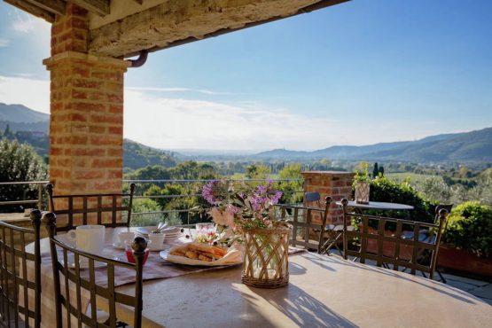 Villapparte-Belvilla-Villa America Toscane Italië-luxe vakantiehuis voor 6 personen-overdekt terras