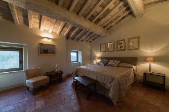 Villapparte-Belvilla-Villa America Toscane Italië-luxe vakantiehuis voor 6 personen-romantische slaapkamer